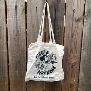 Vintage Pike's Place Reading Seattle Tote Bag